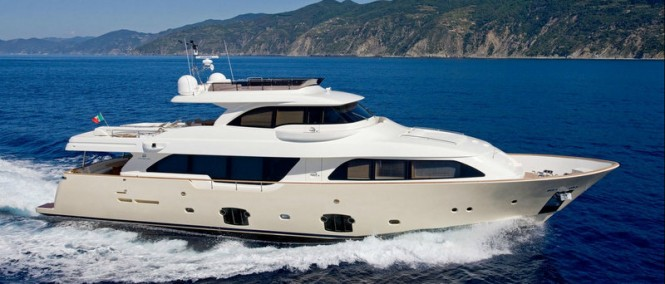 Custom Line Navetta 26 Crescendo Yacht