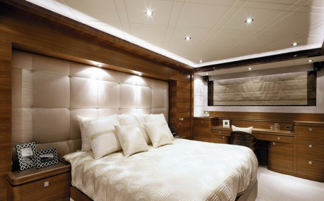 Horizon P110 Tri Deck Yacht - Cabin