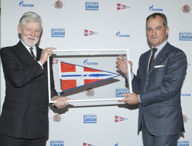 Leonardo Ferragamo, Chairman of Nautor's Swan (right) and Captain Richard Woodman, Elder Brother of Trinity House (left) at ClubSwan Reception© onEdition/Nautor's Swan 2013