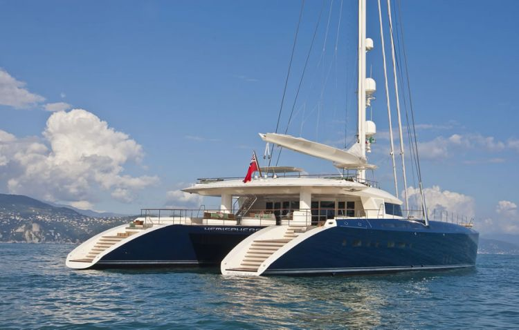 Luxury-catamaran-yacht-Hemisphere-Project-Gemini-by-Pendennis.jpg