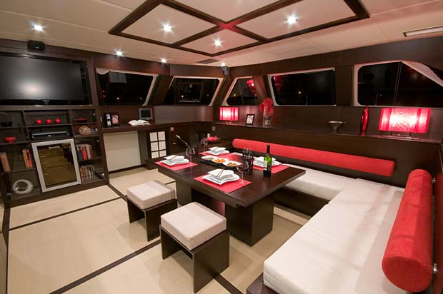 Luxury sailing yacht Sunreef 70 - Interior