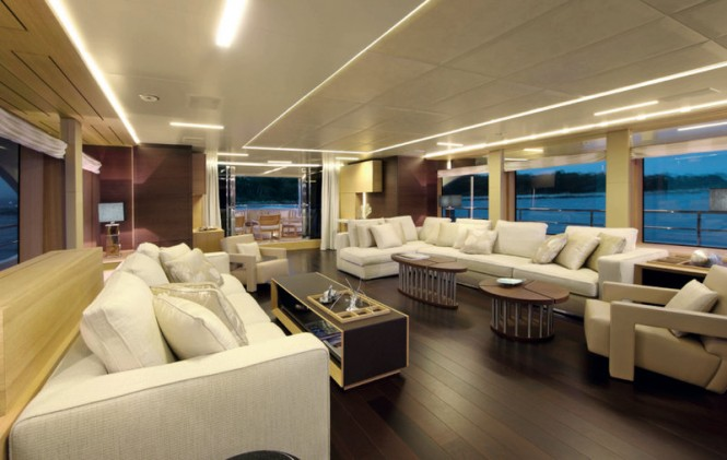 Luxury yacht Petrus II - Salon Photo by Thierry Ameller