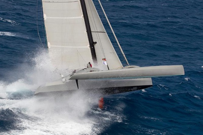 Peter Aschenbrenner's American 63ft trimaran, Paradox Credit: Ocean Images/Richard Langdon