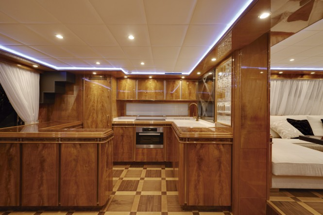 Superyacht 80 GLX - Galley