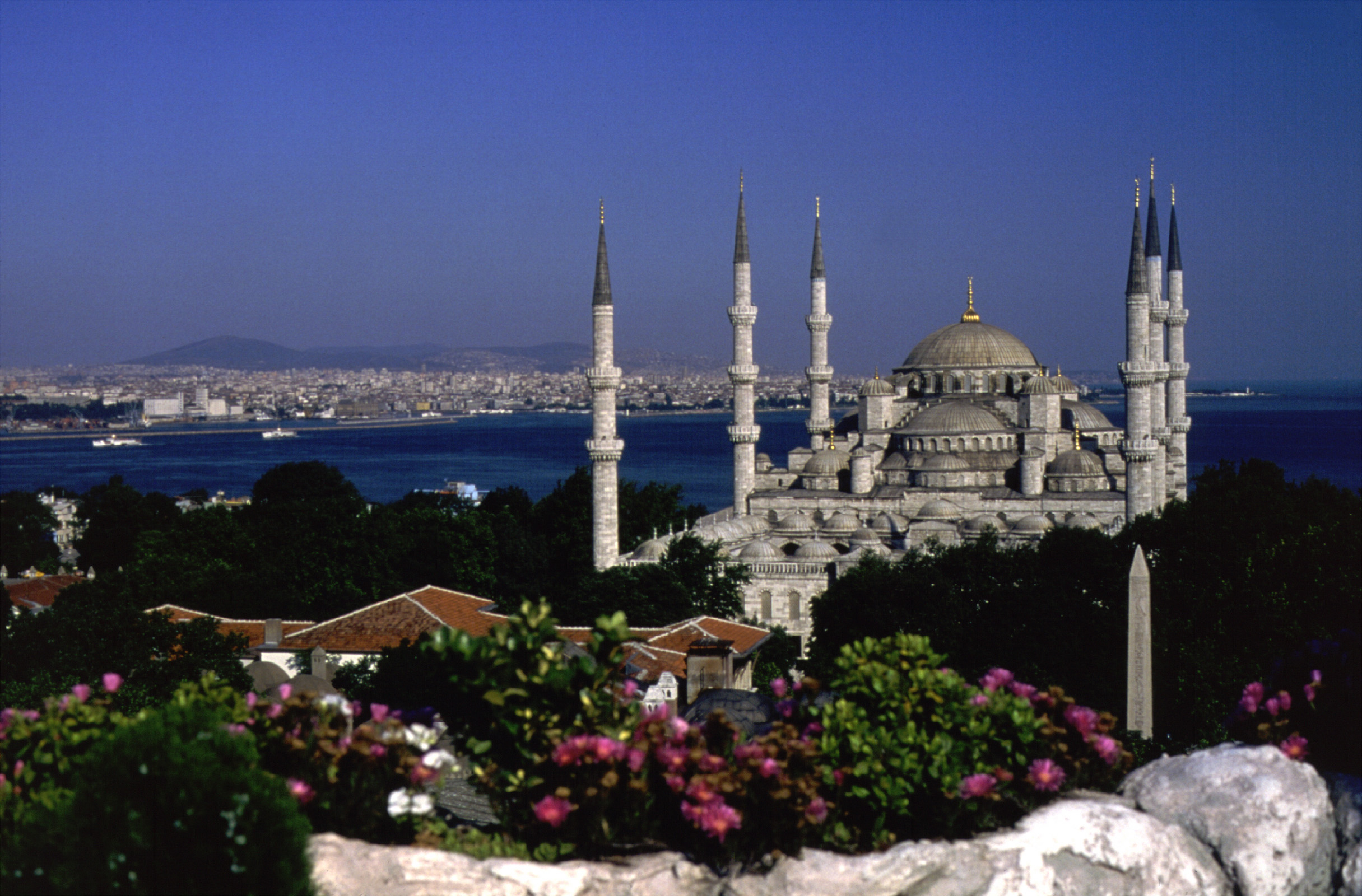 Blue mosque courtesy of turkish tourist office yacht charter superyacht news - Turkish culture and tourism office ...