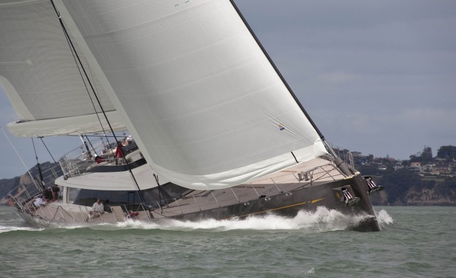 Sailing yacht Ohana at full speed