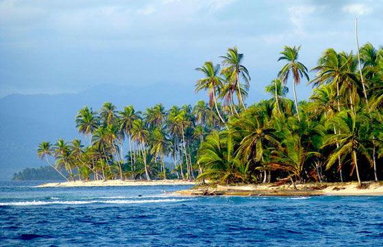 San Blas Islands in a beautiful yacht charter destination - Panama