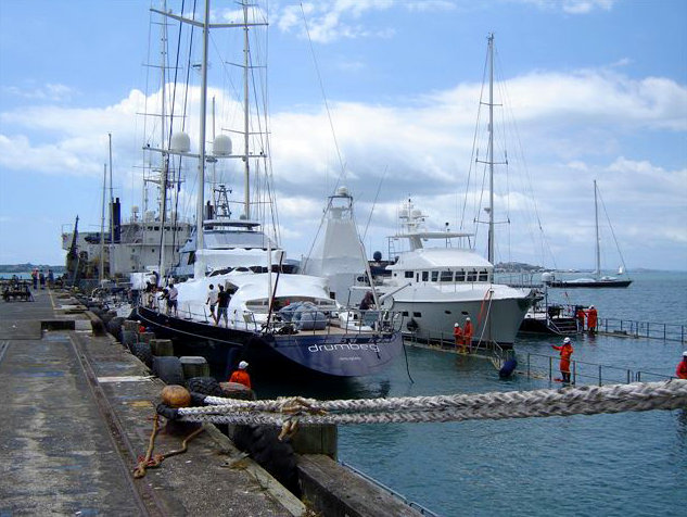 Super Servant 4 in Auckland New Zealand, a popular yachting destination for Dockwise Yacht Transport
