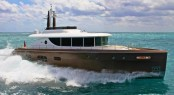 Superyacht NISI 2400GT at full speed