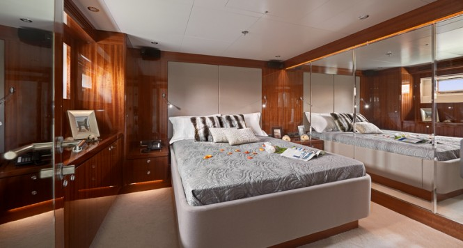 Tango 5 Yacht - Stateroom