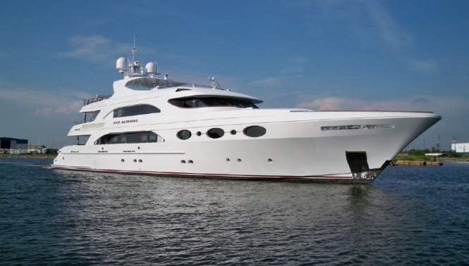 Trinity luxury yacht Red Sapphire