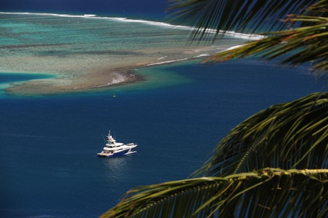 Luxury Motor Yacht ULTIMATE LADY for charter in Tahiti and the South Pacific