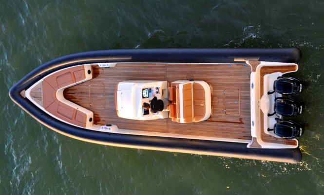 Yellowfin Custom 40 yacht tender - view from above