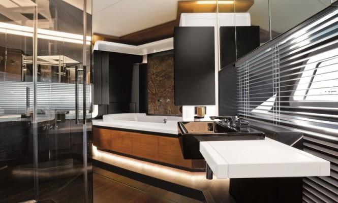 Azimut Grande 100 Yacht - Bathroom