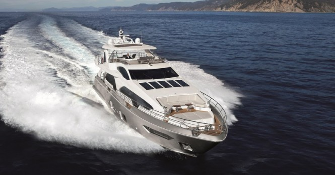 Azimut Grande 100 Yacht - front view