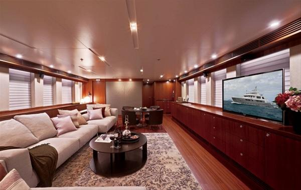 EP115 motor yacht Tango 5 - Interior
