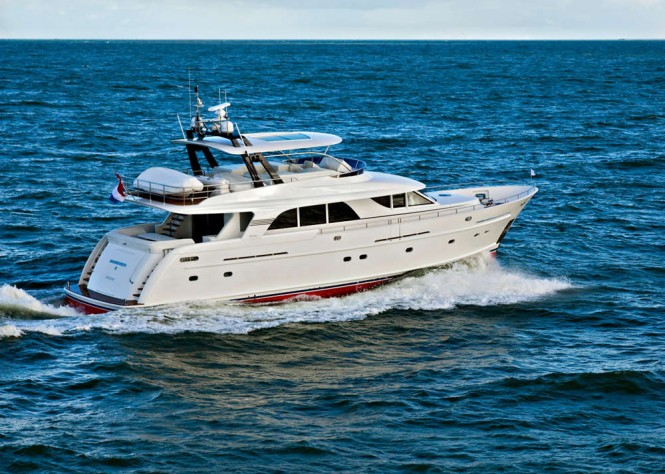 Guido de Groot designed Mulder 73 Flybridge Yacht at full speed