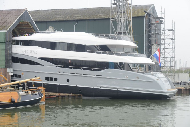 Hakvoort YN247 motor yacht Apostrophe