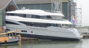 Hakvoort YN247 motor yacht Apostrophe at launch