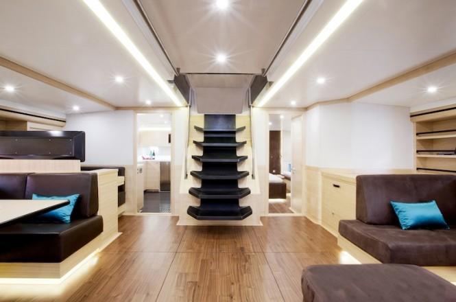 Hamilton yacht - saloon