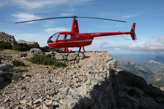 Sloane Helicopters - Image Credit to www.talkyachtspalma.org