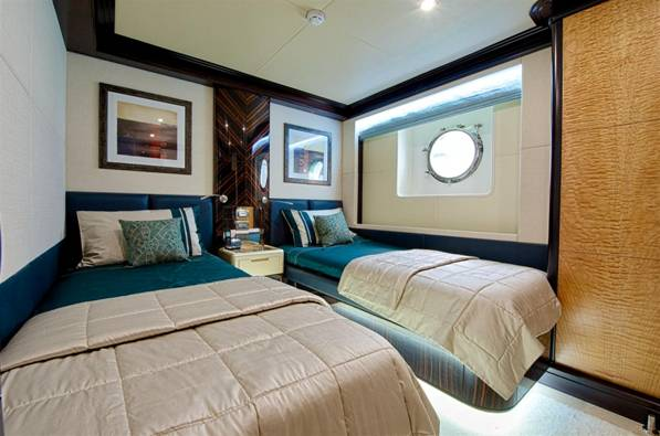 Twin Guest Stateroom Majesty 125 superyacht