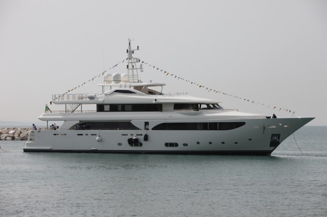 CRN launch Navetta 43 motor yacht LADY GENYR