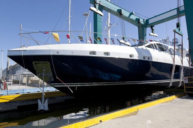 Luxury motor yacht Mangusta 94#01