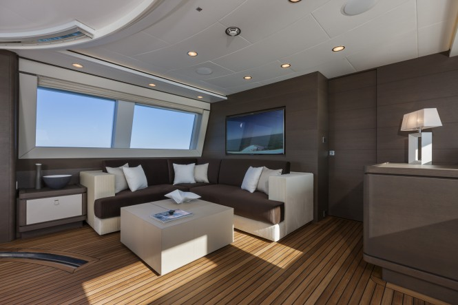 Luxury yacht Navetta 33 No. 12 - Saloon