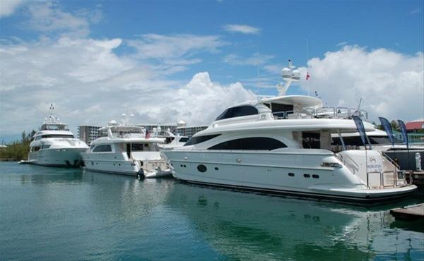 Luxury yachts by Horizon participating in the event