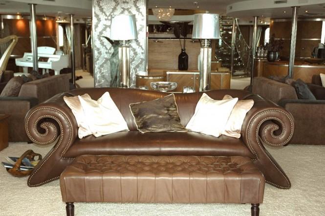Salon - Mega Yacht SHERAKHAN