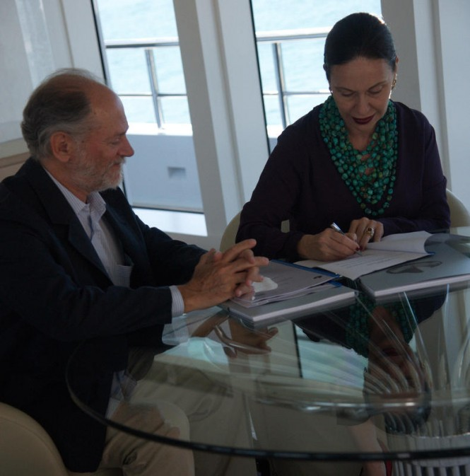 Signing of agreement aboard Stella Maris yacht