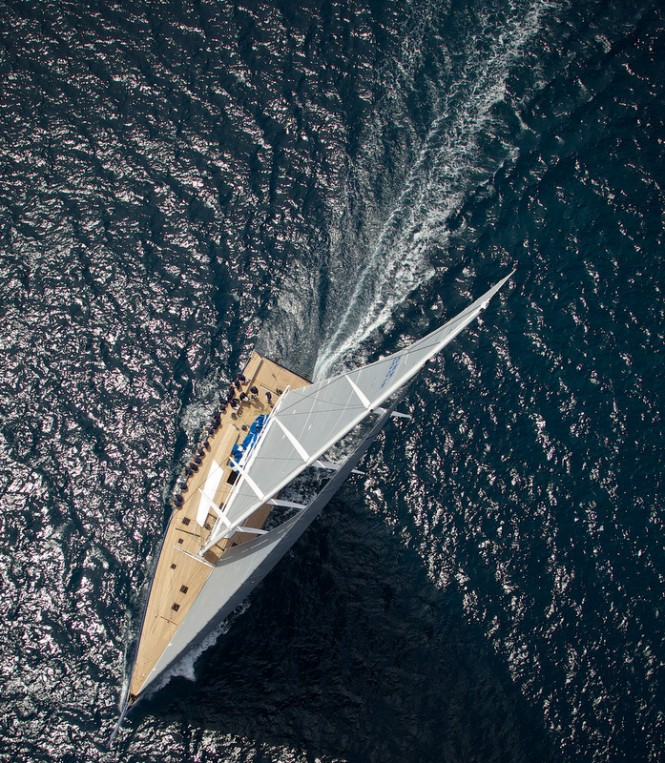 Superyacht Magic Carpet3 at full speed