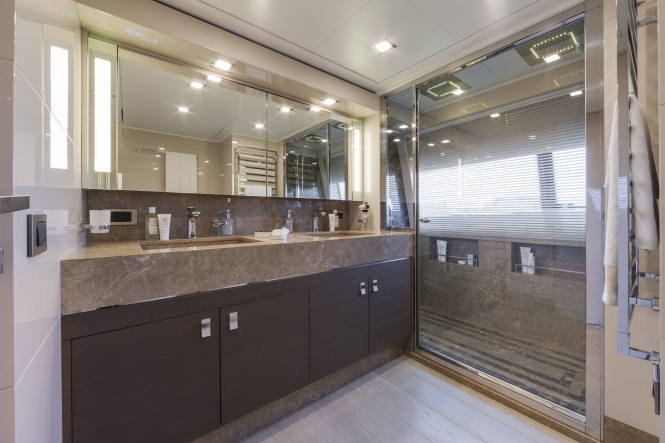 Superyacht Navetta 33 No. 12 - Bathroom