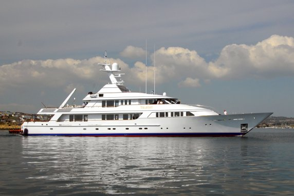 Superyacht Teleost - side view