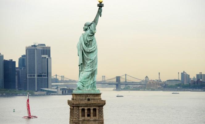Trimaran yacht IDEC leaving NYC
