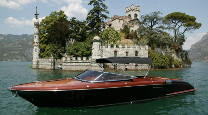 Aquariva Cento yacht tender for CRN superyachts