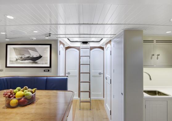 Endeavour Yacht - Interior