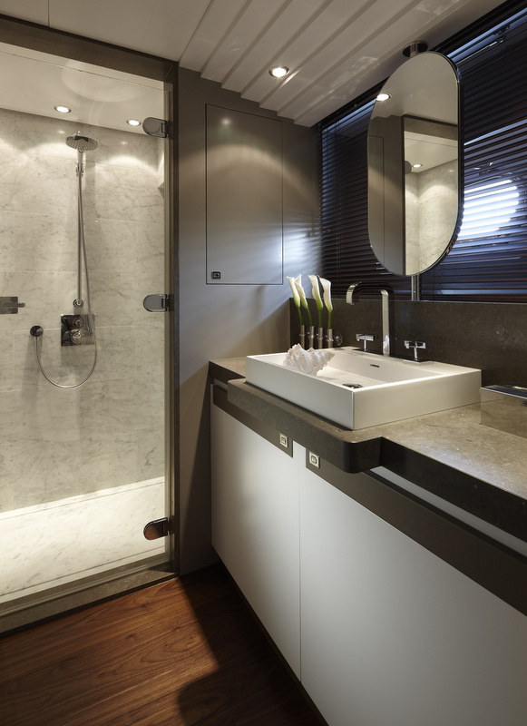 Livia Yacht - Bathroom