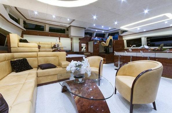 Luxury catamaran yacht HOUBARA - Saloon