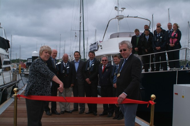 Mayor of Medway Cllr Mrs Josie Iles officially opens the new pontoons at Chatham Maritime Marina (2)