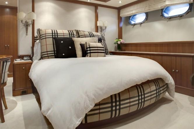 Motor Yacht JO - Burberry Guest Bedroom