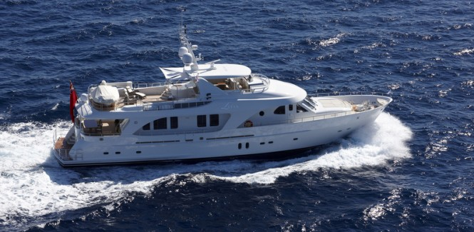 Superyacht Livia - upview