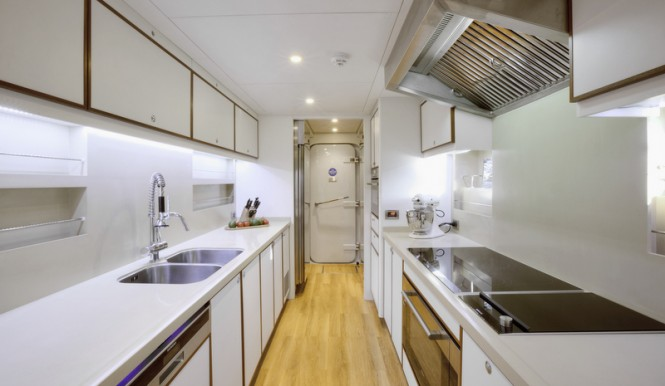 Curvelle Quaranta Yacht - Galley
