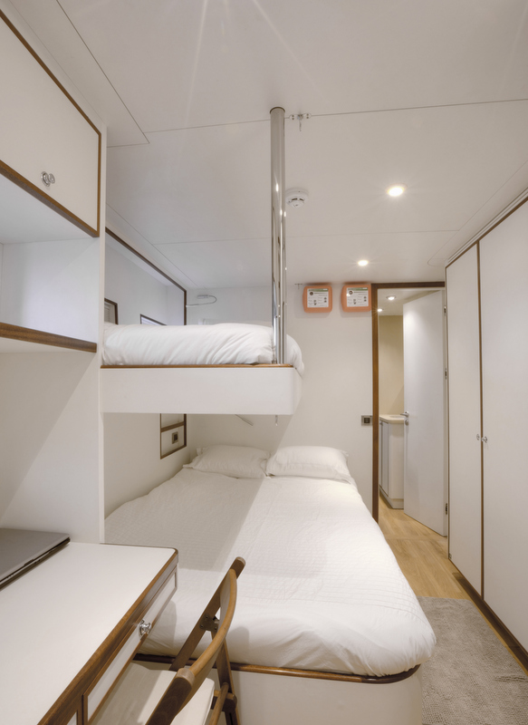 Quaranta Yacht - Captains cabin