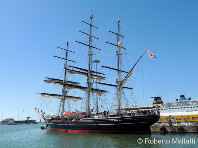 75m Tall Ship Stad Amsterdam - Photo by Roberto Malfatti