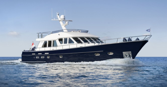 Continental Trawler 20.00 Flybridge Yacht in blue