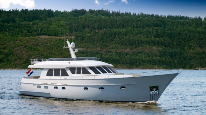 Continental Trawler 20.00 Flybridge Yacht in white