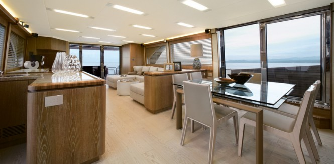 Luxury yacht MCY 86 - Dining