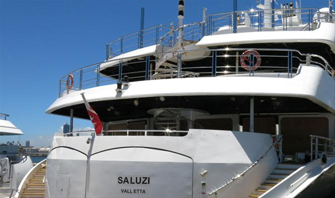 Luxury yacht Saluzi - aft view